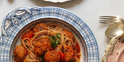 Food, Spaghetti, Noodle, Dishware, Cuisine, Ingredient, Chinese noodles, Pasta, Dish, Kitchen utensil,