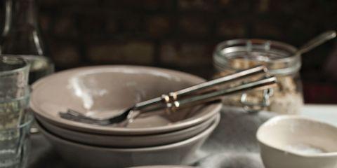 Serveware, Dishware, Food, Cuisine, Ingredient, Tableware, Produce, Kitchen utensil, Plate, Vegetable,