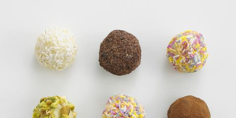 Ingredient, Collection, Natural material, Rum ball, Dessert, Confectionery, Recipe, Sphere, Sweetness,
