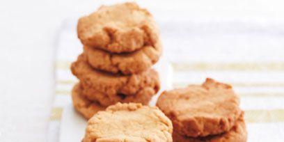 Finger food, Food, Biscuit, Cookies and crackers, Dessert, Cookie, Baked goods, Cuisine, Sweetness, Ingredient,