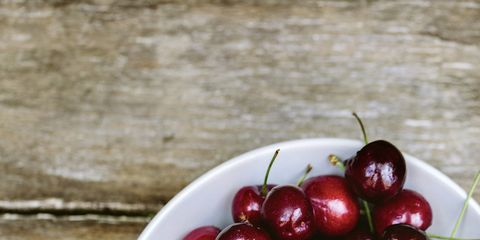 Fruit, Natural foods, Cherry, Produce, Berry, Black cherry, Still life photography, Serveware, Superfood, Local food,