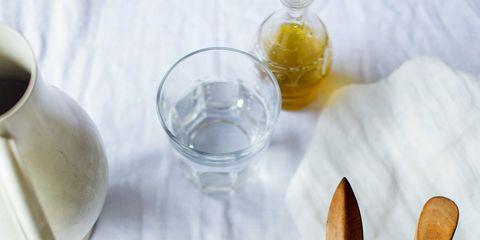 Serveware, Food, Dishware, Cuisine, Tableware, Ingredient, Leaf vegetable, Produce, Vegetable, Drinkware,