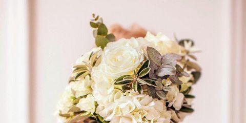 Petal, Bouquet, Flower, Dress, White, Pink, Cut flowers, Floristry, Fashion, Flower Arranging,