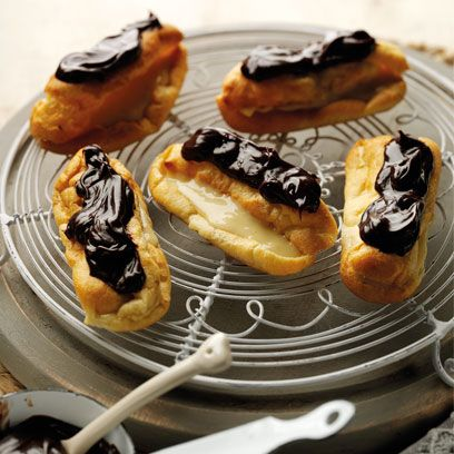 Dish, Food, Cuisine, Profiterole, Ingredient, Choux pastry, Dessert, Baked goods, Finger food, Produce,