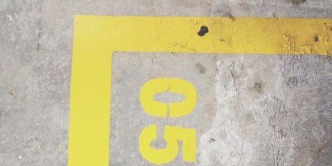 Human, Leg, Yellow, Human leg, People in nature, Foot, Grey, Concrete, Toe,