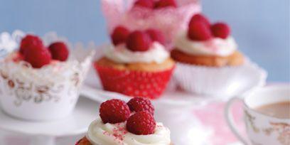 Serveware, Food, Dishware, Cuisine, Sweetness, Drinkware, Ingredient, Fruit, Dessert, Tableware,