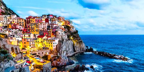Sea, Cliff, Coast, Sky, Ocean, Natural landscape, Klippe, Coastal and oceanic landforms, Promontory, Rock,