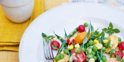 Dishware, Food, Serveware, Ingredient, Produce, Vegetable, Tableware, Cuisine, Salad, Garnish,