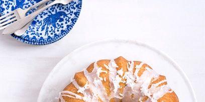 Food, Cuisine, Dishware, Blue and white porcelain, Plate, Dessert, Baked goods, Serveware, Sweetness, Dish,