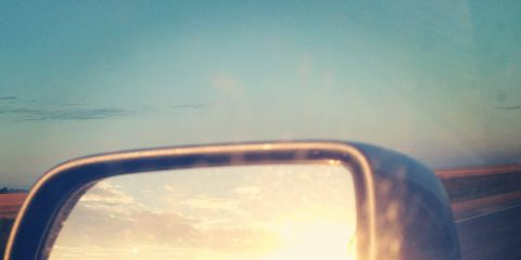 Automotive mirror, Mode of transport, Daytime, Atmosphere, Glass, Automotive exterior, Automotive side-view mirror, Horizon, Sunlight, Rear-view mirror,