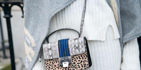 Textile, Collar, Pattern, Bag, Street fashion, Button, Pocket, Belt buckle, Shoulder bag, Pattern,