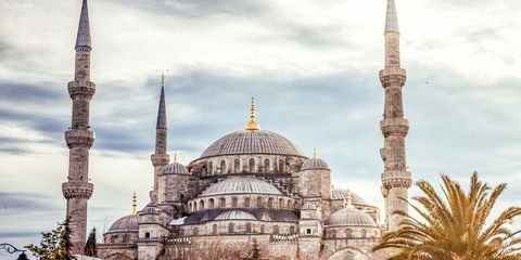 Sky, Cloud, Dome, Landmark, Dome, Finial, Place of worship, Mosque, Spire, Byzantine architecture,