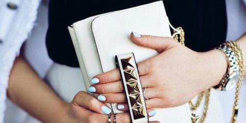 Finger, Hand, Wrist, Nail, Thumb, Bracelet, Chain, Body jewelry, Reading, Symbol,