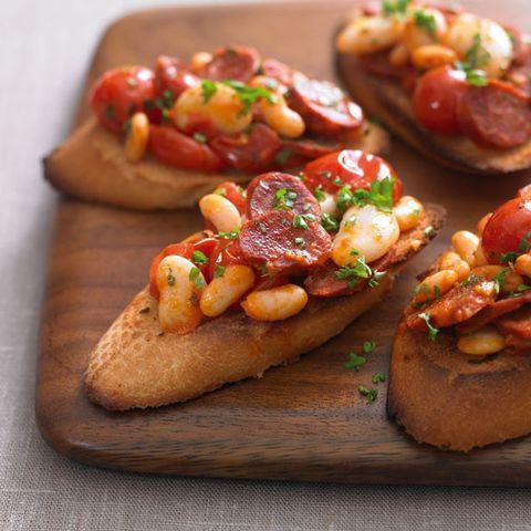 Dish, Food, Cuisine, Bruschetta, Ingredient, appetizer, Bread, Baked goods, Finger food, Produce,