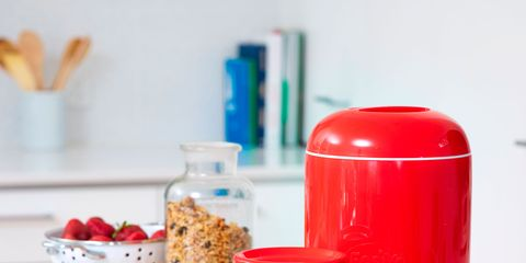Serveware, Drinkware, Cuisine, Dishware, Bowl, Tableware, Carmine, Ingredient, Plastic, Food storage containers,