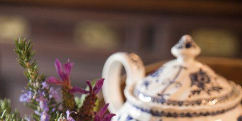 Serveware, Cup, Drinkware, Dishware, Porcelain, Teacup, Coffee cup, Drink, Tableware, Tea,