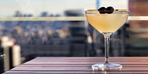 Glass, Drinkware, Drink, Liquid, Stemware, Martini glass, Classic cocktail, Cocktail, Alcoholic beverage, Barware,
