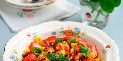 Serveware, Dishware, Food, Cuisine, Tableware, Dish, Recipe, Garnish, Produce, Leaf vegetable,