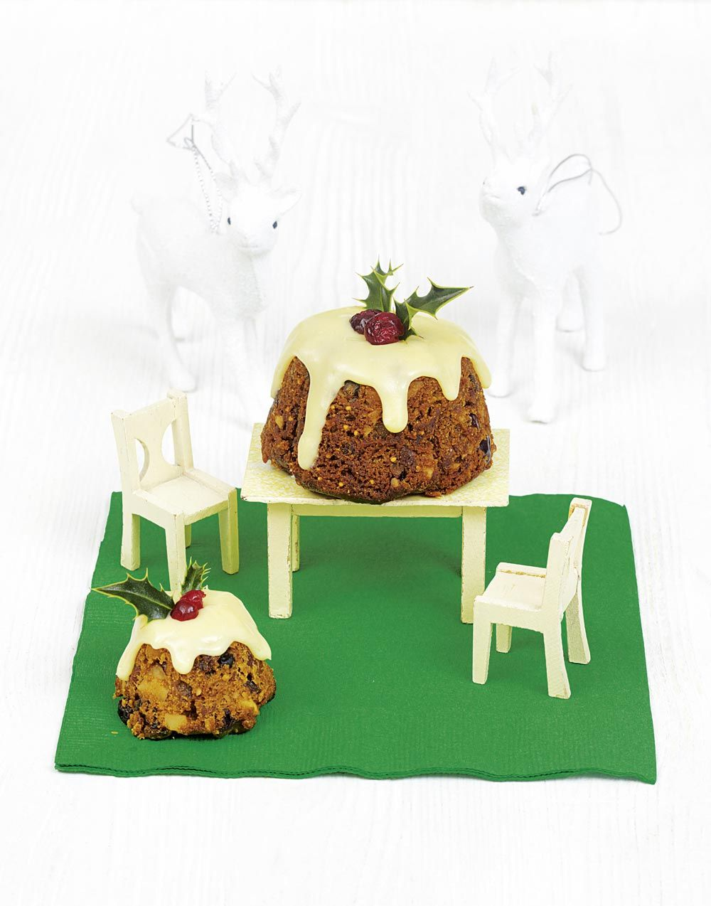 Christmas Pudding Cupcakes Frances Quinn Recipes Christmas Cake