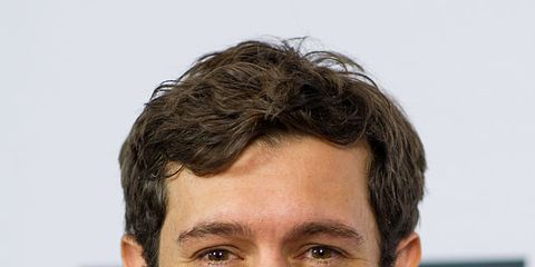 Hair, Face, Hairstyle, Chin, Forehead, White-collar worker, Facial hair, Jaw, Premiere, Beard,