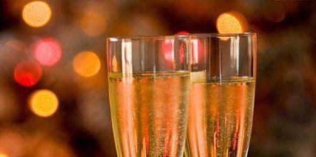 Drinkware, Glass, Stemware, Barware, Drink, Alcoholic beverage, Liquid, Tableware, Champagne stemware, Wine glass,