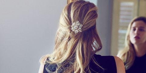 Hairstyle, Shoulder, Joint, Waist, Back, Beauty, Organ, Long hair, Trunk, Fashion,