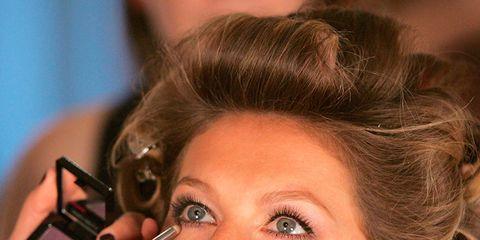 Finger, Lip, Hairstyle, Skin, Eyebrow, Eyelash, Style, Nail, Fashion, Eye shadow,
