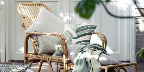 Wood, Room, Interior design, Linens, Pillow, Throw pillow, Home, Cushion, Bedding, Window treatment,