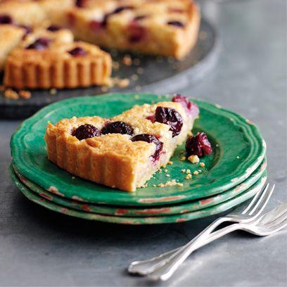 Dish, Food, Cuisine, Blackberry pie, Blackberry, Dessert, Ingredient, Baked goods, Berry, Cherry pie,