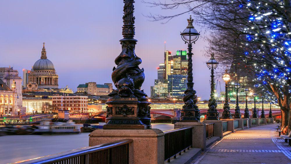 Date in london free