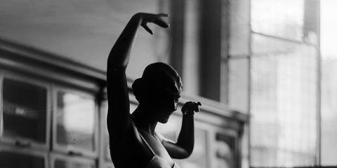 Shoulder, Elbow, Standing, Waist, Back, Wrist, Monochrome, Shelf, Photography, Snapshot,