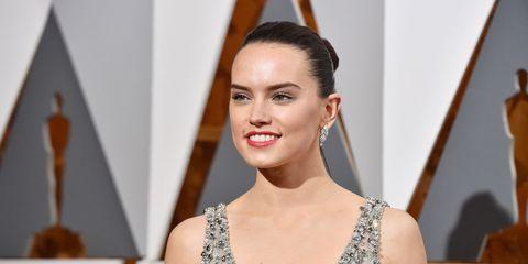 Hairstyle, Shoulder, Eyebrow, Eyelash, Earrings, Style, Beauty, Fashion, Jewellery, Model,