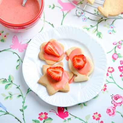 Food, Dish, Cuisine, Ingredient, Dessert, Produce, Recipe, Strawberry, Baked goods, Finger food,