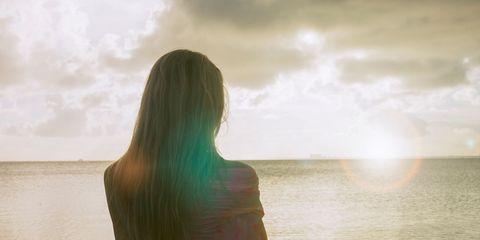 Atmosphere, Sunlight, People in nature, Summer, Fluid, Horizon, Ocean, Sea, Backlighting, Back,