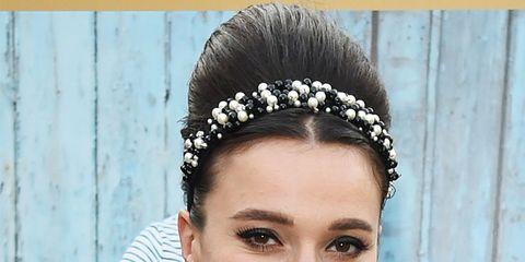 Ear, Hairstyle, Forehead, Eyebrow, Hair accessory, Eyelash, Headpiece, Style, Headgear, Beauty,