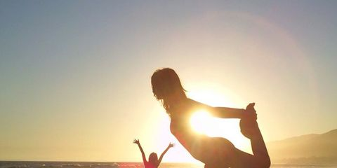 People on beach, People in nature, Happy, Fun, Sky, Physical fitness, Sunlight, Vacation, Horizon, Balance,