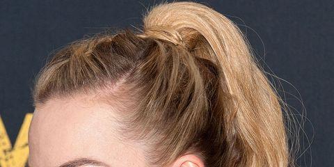 Hair, Head, Ear, Lip, Hairstyle, Earrings, Chin, Forehead, Eyebrow, Eyelash,