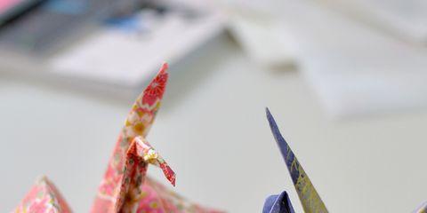 Paper product, Paper, Origami, Origami paper, Carmine, Art, Art paper, Creative arts, Craft, Triangle,