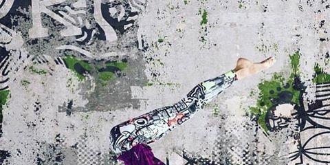 Human body, Human leg, Art, Dancer, Waist, Performance art, Visual arts, Barefoot, Illustration, Dance,