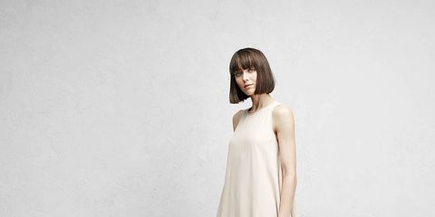 Sleeve, Shoulder, Human leg, Dress, Joint, Standing, One-piece garment, Fashion model, Knee, Day dress,