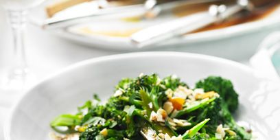 Food, Dishware, Cuisine, Ingredient, Leaf vegetable, Vegetable, Tableware, Serveware, Produce, Recipe,
