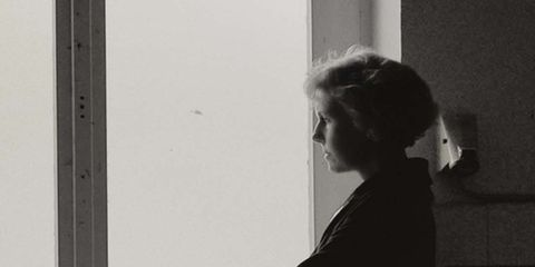 Fixture, Monochrome, Monochrome photography, Black-and-white, Transparent material, Daylighting, Bun, Chignon,