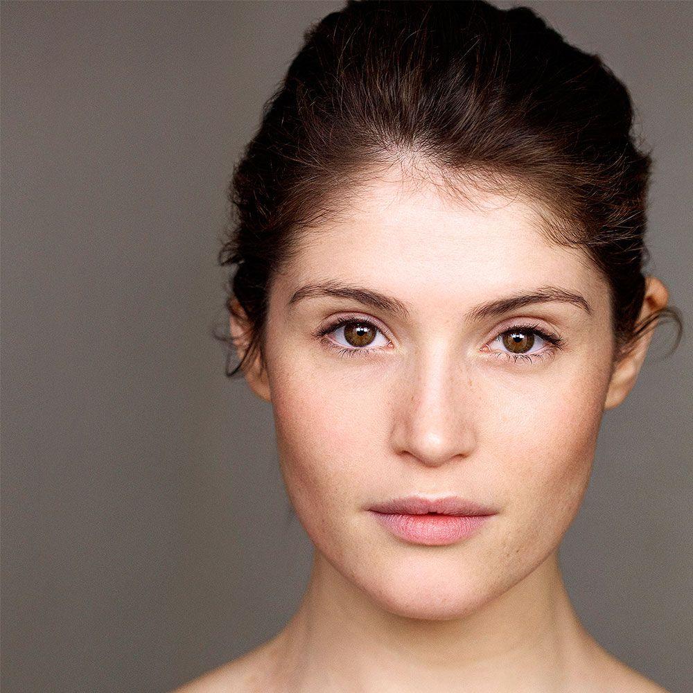 Mujeres preciosas (De esas de amor platónico) - Página 22 Gemma-arterton-_-new-face-of-neutrogena-_-in-depth-_-beauty-_-red-online