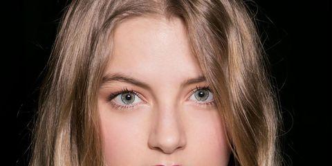 Hair, Face, Nose, Mouth, Lip, Cheek, Hairstyle, Eye, Chin, Eyebrow,