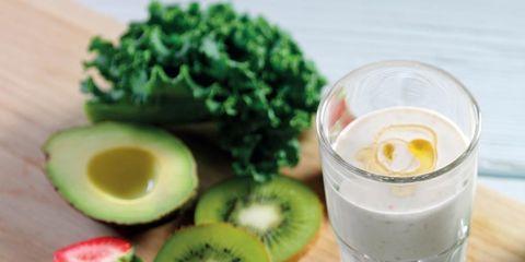 Ingredient, Produce, Food, Tableware, Vegetable, Leaf vegetable, Dishware, Drink, Natural foods, Fruit,