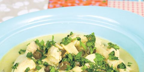 Thai Green Curry With Chicken And Aubergines