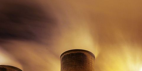 Cooling tower, Nuclear power plant, Atmosphere, Power station, Infrastructure, Electricity, Electronic device, Technology, Atmospheric phenomenon, Landmark,