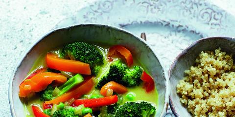 Food, Ingredient, Cuisine, Dishware, Leaf vegetable, Serveware, Produce, Vegetable, Broccoli, Tableware,