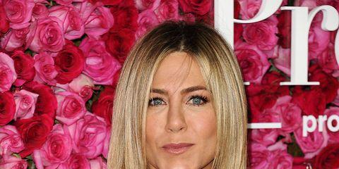 Hairstyle, Petal, Pink, Eyelash, Beauty, Step cutting, Blond, Long hair, Hair coloring, Feathered hair,