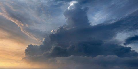 Sky, Cloud, Atmosphere, Atmospheric phenomenon, Cumulus, Sunlight, Meteorological phenomenon, Geological phenomenon, Photography, Sunset,